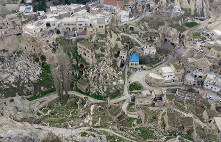 В крепости Ортахисар кружится голова: не от высоты, а из-за ландшафта, противоречащего законам физики