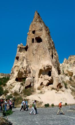 «Девичий монастырь» в долине Гёреме заставляет задуматься, о том, в какой отменной физической форме пребывали первые христиане