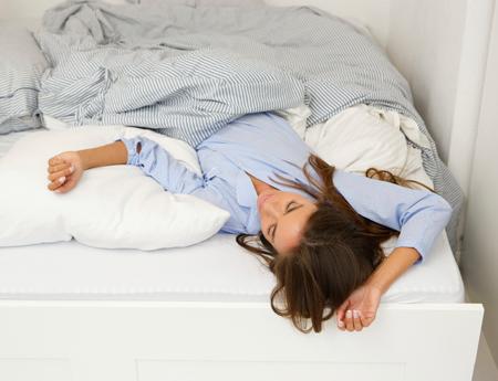 Бессонница: как научиться засыпать без лекарств