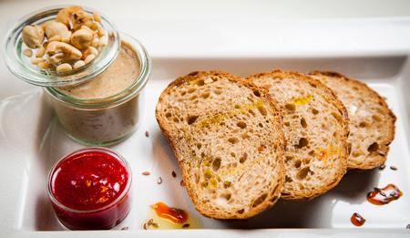 Сытный осенний обед: 3 рецепта из дичи и грибов