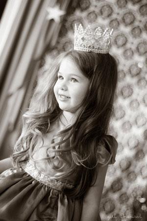 Новогодний костюм принцессы: как сделать корону из кружева