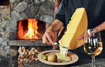 Как правильно есть: фондю и еще 3 блюда швейцарской кухни