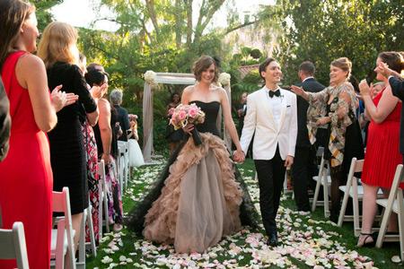 Видно чулки у невесты — photo 15