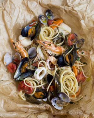 Вермишель с сокровищами моря в пакете