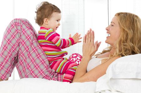 Как научить ребенка ходить и говорить: 2 развивающие игры