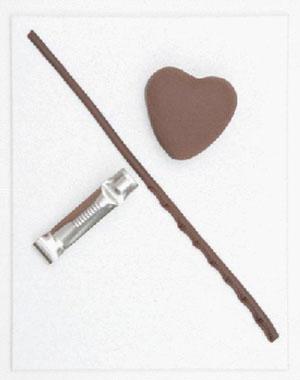 Шоколадные сердечки: как украсить пирожные на День святого Валентина