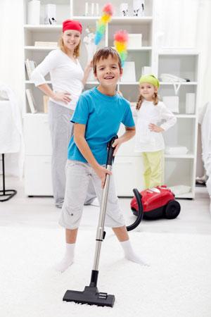 Помощь по дому: что поручить детям. Список дел по возрастам