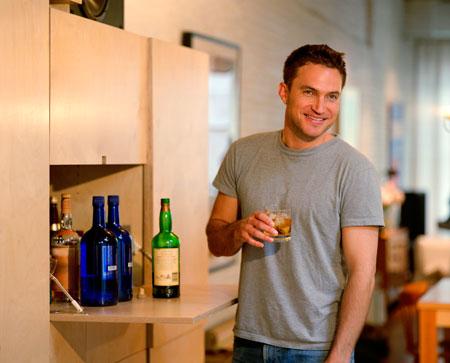 Муж алкоголик как его выселить из квартиры