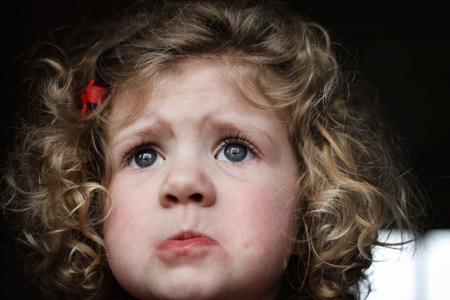 Ребенок-манипулятор: наказывать или потакать? История девочки-задиры