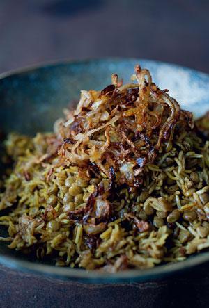 Меджадра: рис и чечевица, с жареным луком
