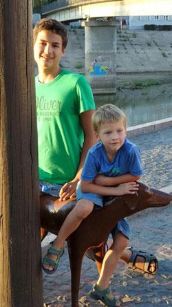 Аутизм у детей: что это? Детский сад и школа глазами мамы