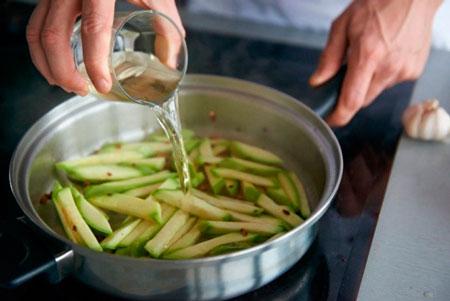 Как приготовить макароны с кабачками