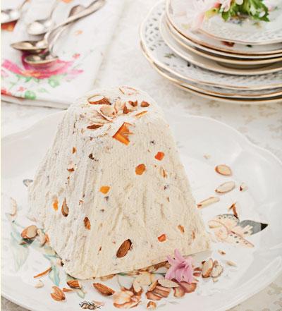 Пасха с цукатами и пасхальный хлеб: рецепты Юлии Высоцкой