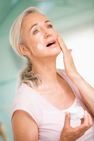 Гиалуроновая кислота: когда начинать. Кремы или инъекции?