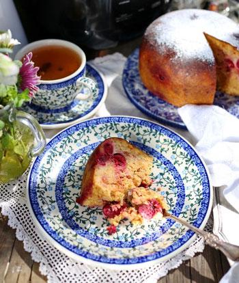 Не съели куличи? 2 рецепта: десерт с заварным кремом и пудинг с вишней