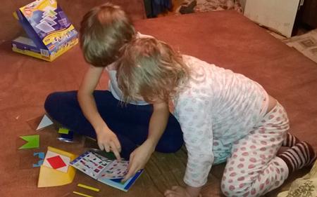 Во что любят играть девочки? Все зависит от взрослых, которые рядом
