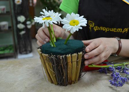 Летний букет – своими руками: для украшения стола и в подарок