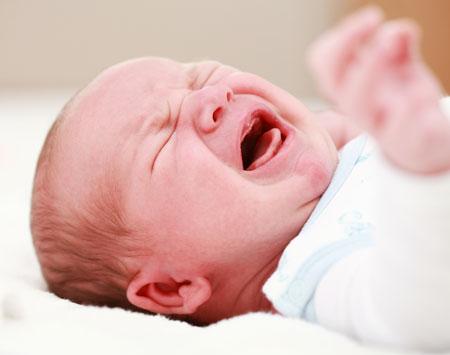 Почему новорожденный часто плачет