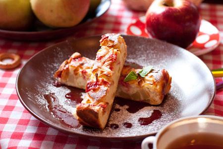 Творожная запеканка - рецепт с яблоками