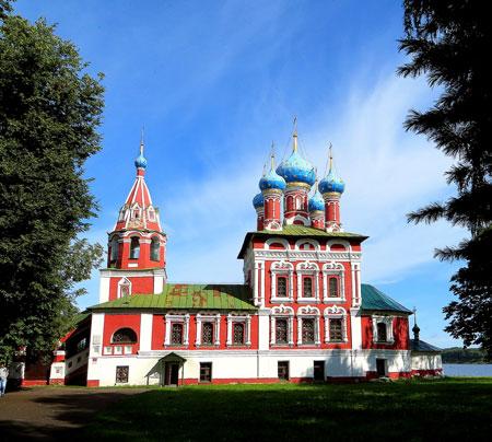 Круиз на теплоходе - церковь Дмитрия-на-крови в Угличе