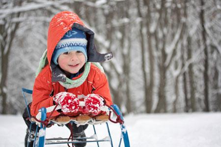 Во что играть с детьми зимой