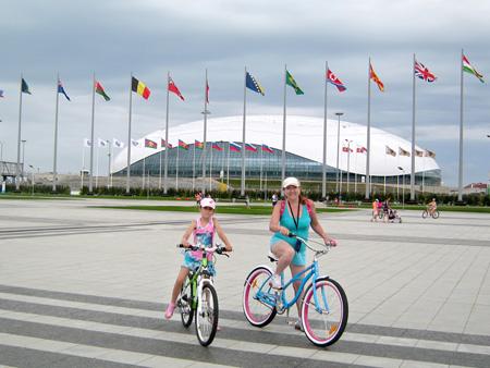 Олимпийский парк - на велосипедах