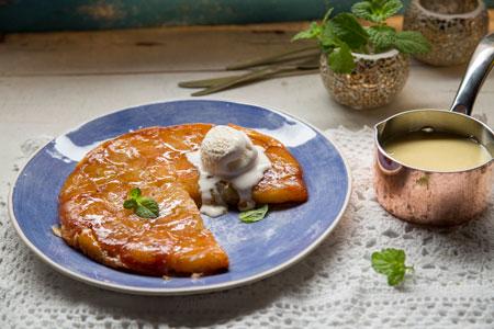 Рецепт пирога с яблоками в карамели