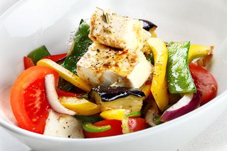 Рецепт салата из обжаренных овощей с тофу