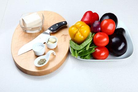 Салат из обжаренных овощей с тофу