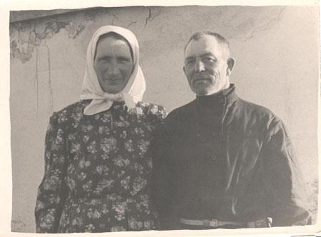 Екатерина Федосеевна и Петр Михеевич Шатиловы, 1957 год