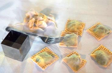 Тортелли с картофелем, шпинатом и маскарпоне