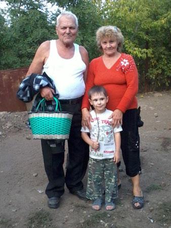 Костецкая Надежда Кирилловна и Стуканов Александр Васильевич с внуком