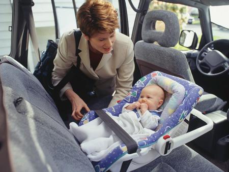Автоледи с ребенком на борту