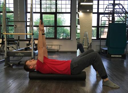 Протрузия, упражнения на валике