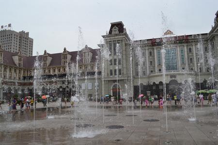 Площадь поющих фонтанов