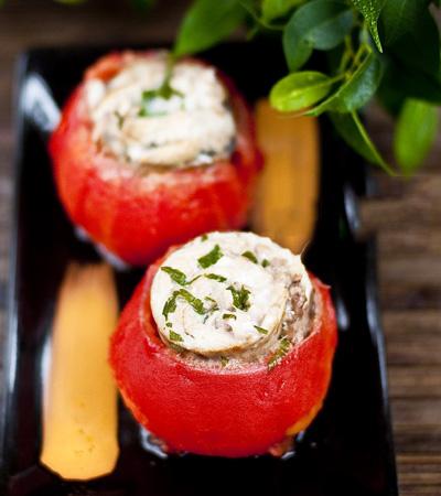 Рыба, запеченная в помидорах
