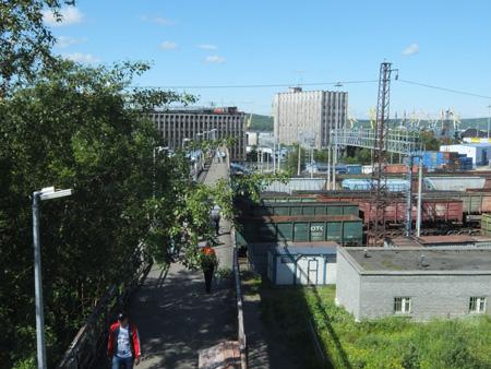 Мост от вокзала к порту в Мурманске
