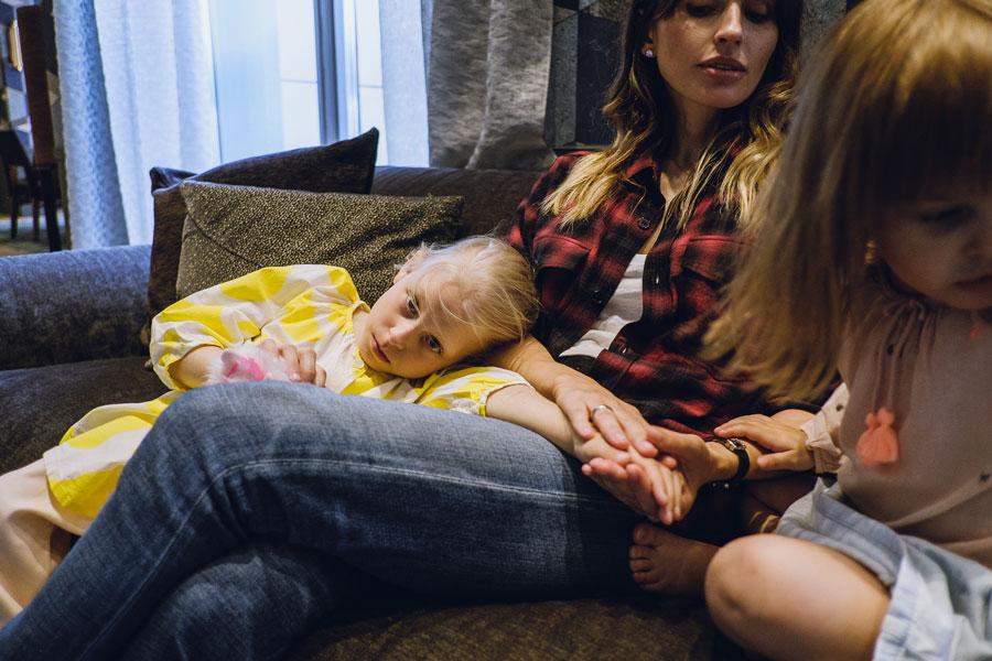 Анна Семак, Таня и Илария (справа)