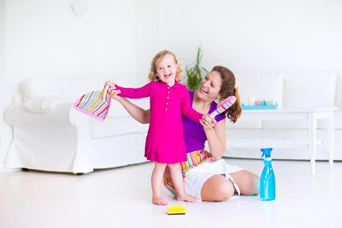 Как приучить ребенка собирать игрушки