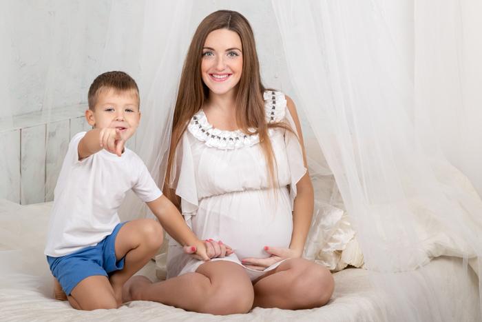 Сын и мама занимаются секом реальное видео россия