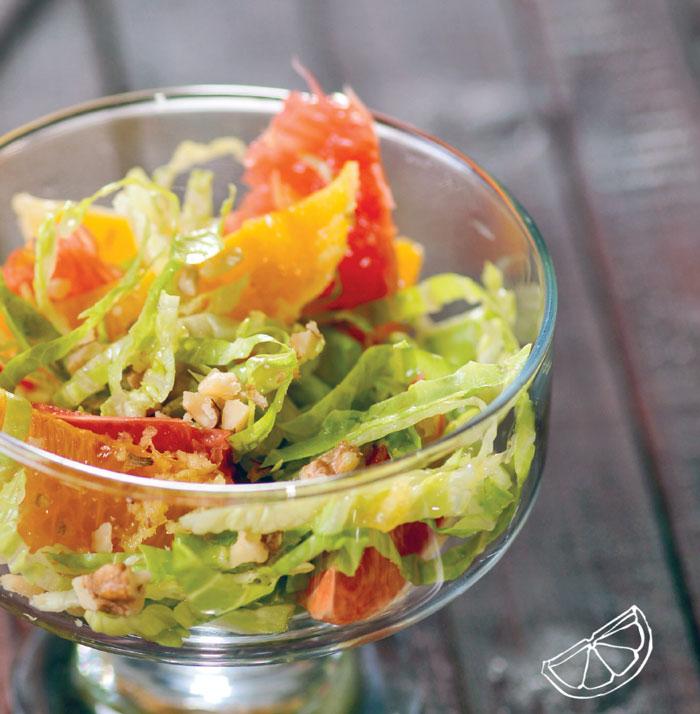 Кочанный салат с апельсином и грейпфрутом