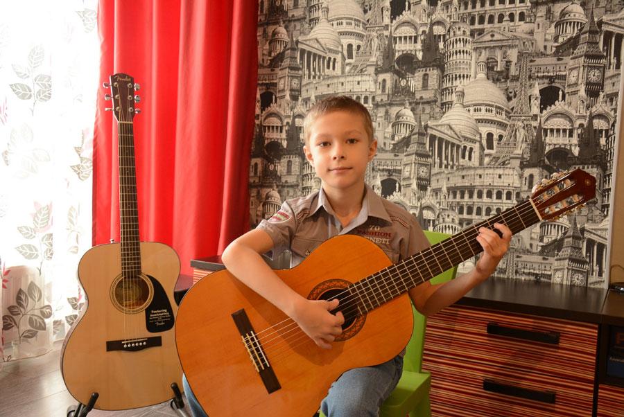 Обучение игре на гитаре в музыкальной школе