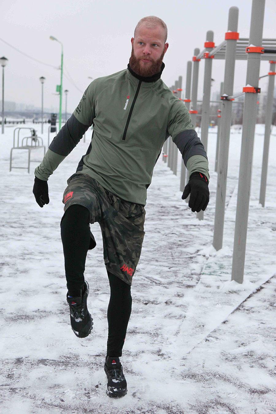 Разминка перед тренировкой на улице