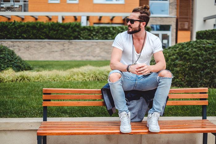 Как одеваться и вести себя мужчине