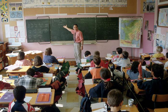 Болтовня и разговоры на уроках