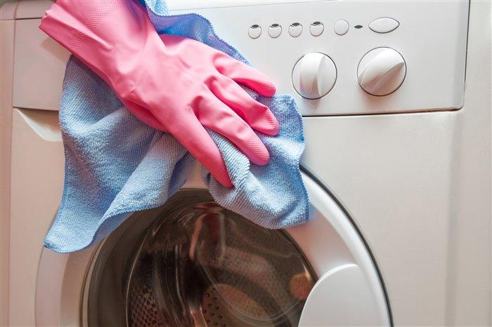 Как почистить стиральную машину от неприятного запаха