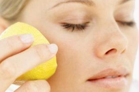 Косметическое масло отбеливает кожу