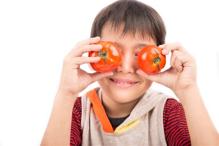 Витамины и капли для глаз