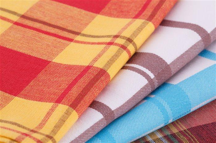 Как отстирать застиранные махровые полотенца в домашних условиях, как стирать цветные, чем отбелить белые, как вернуть мягкость?
