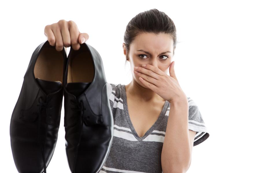 Избавиться от запаха пота из обуви в домашних условиях 531
